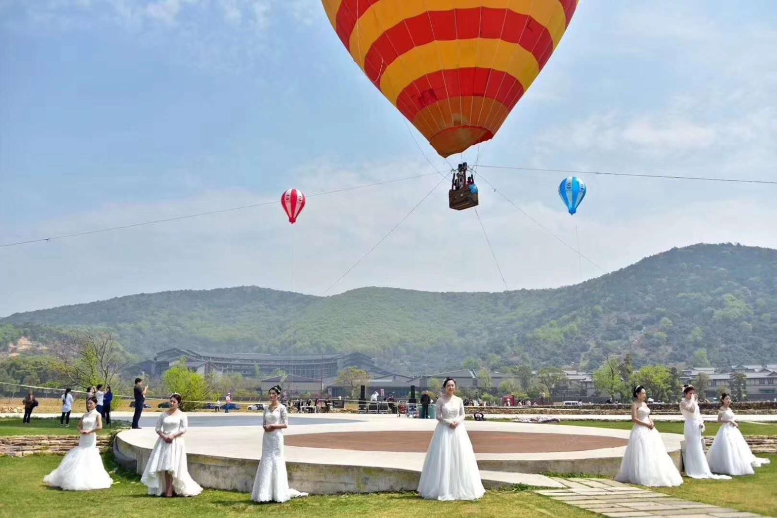 坐一次热球多少钱_岭东区婚庆热气球租赁一天多少钱