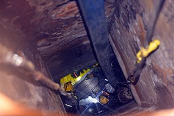 紫外光固化修复技术(UV-CIPP)凤冈管道修复施工现场